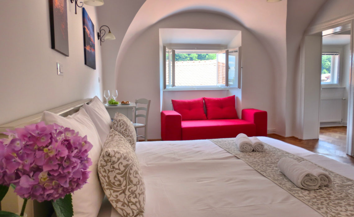 no furniture living room. 1 Bedroom And Living Room Apartment »The Castle View No. 3« No Furniture